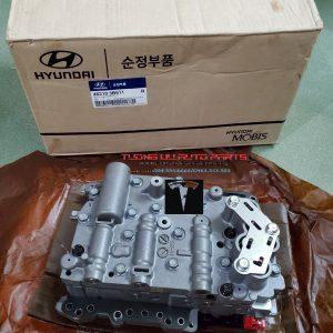 Bộ van điện điều khiển hộp số Hyundai Santafe 2008 462103B611