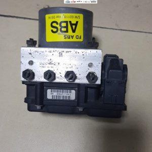 Bộ điều khiển phanh ABS Hyundai I30 589202L300