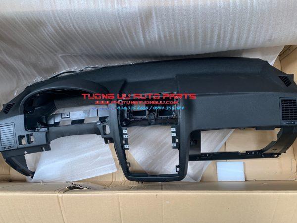 Bàn thờ taplo Hyundai Getz 2009 847101C253WK