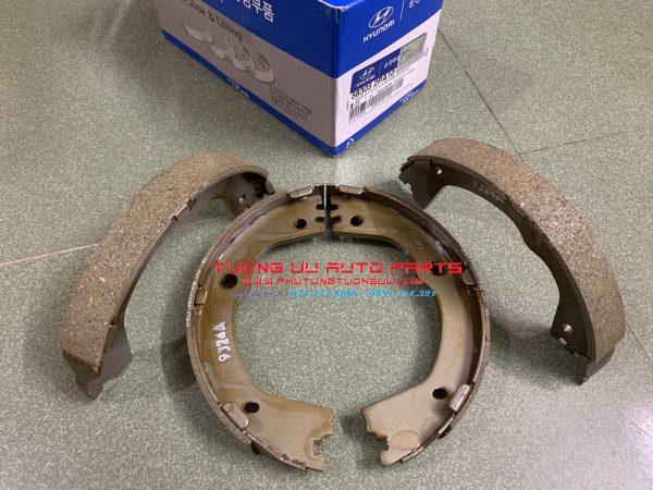 Má phanh tay Hyundai Santafe 583052PA10